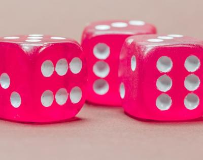 2019-05-23 19_38_43-Würfel Spielwürfel Augenzahl - Kostenloses Foto auf Pixabay